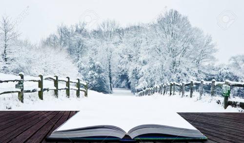 12903376-hiver-neige-paysage-paysage-scène-avec-campagne-anglaise-sortant-de-pages-dans-le-livre-de-magie
